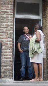 在宅者の中で訪問に応対する人は半分ほど